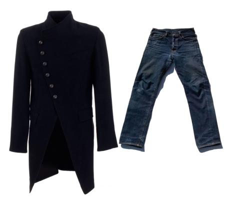 Winter Essentials : Jeans & black coat